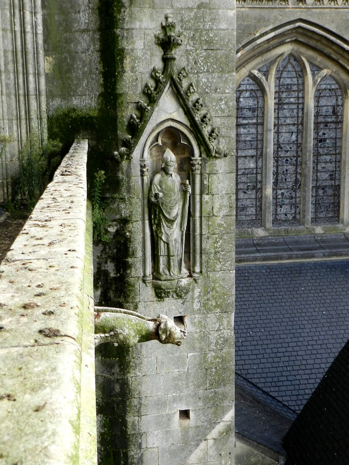 N° 36 - évêque mitré (est-ce Saint-Julien ?)